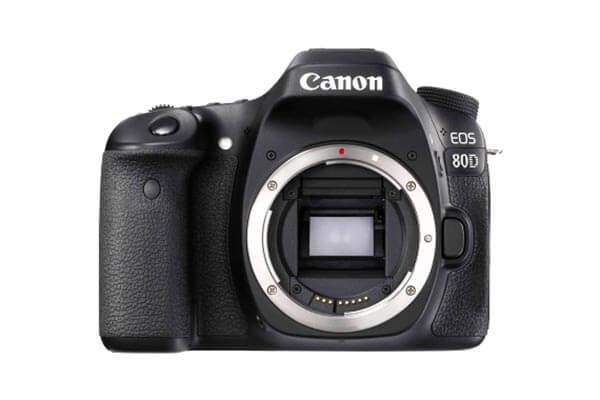 Canon Eos 80D 18-55 IS